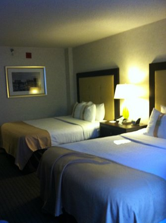 Holiday Inn Baltimore-Inner Harbor : queen beds