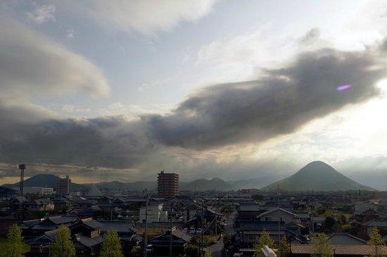 Chisun Inn Marugame Zentsuji: 早朝の飯野山