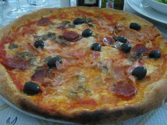Pizzeria Marechiaro: Pizza