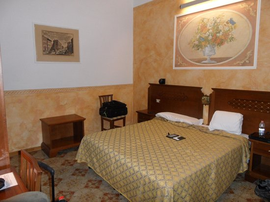 Hotel Olimpia: room