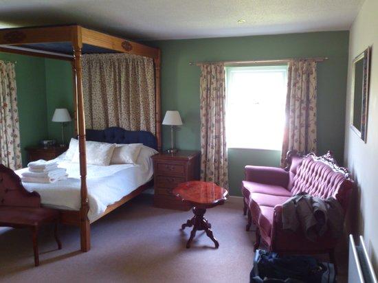 Elmfield House : Fields Bedroom.