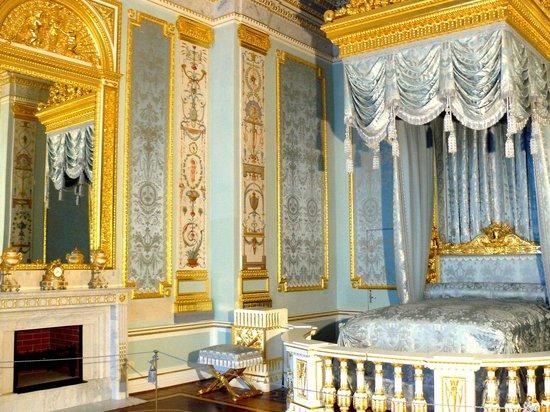 Gatchina, Russia: Парадная опочивальня императрицы Марии Федоровны