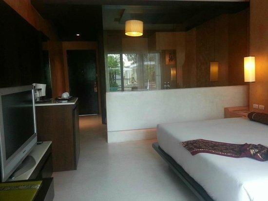 Chanalai Romantica Resort: looking inside from balcony