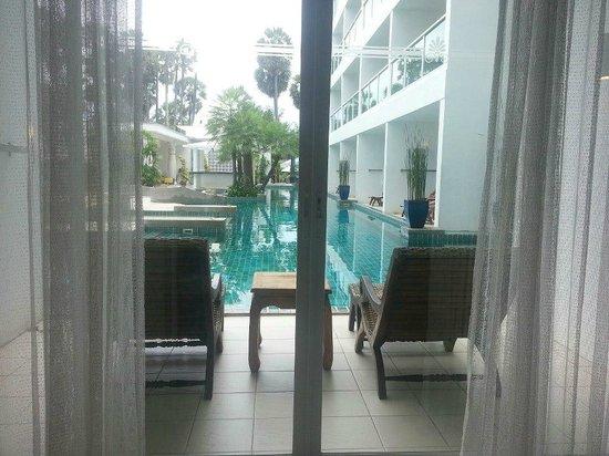 Chanalai Romantica Resort: pool access