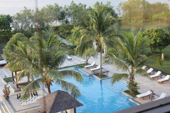The Jayakarta Suites Komodo-Flores: Pool View from room window