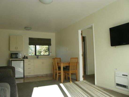 ASURE Hanmer Inn Motel : 1 Bedroom Kitchen Area