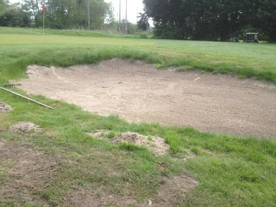 Suffolk Golf Couse: Bunkers