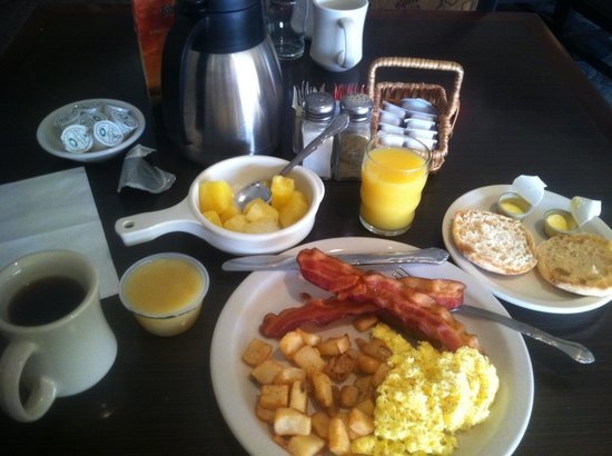 Quality Inn: Perfect breakfast choices for the road warriors