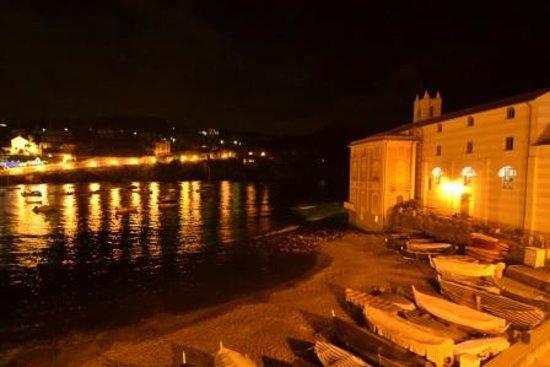 Sestri Levante, Italia: La baia del silenzio al mattino