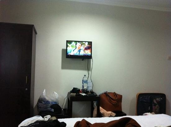 Gana Inn Legian: small tv but u not need it at bali at all