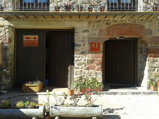 Alojamiento Rural Las Carcavas : Entrada a los apartamentos