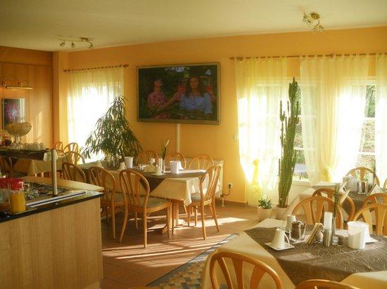 Landhaus Hotel Muller: Frühstücksbuffet, Saal für Feste und Feiern