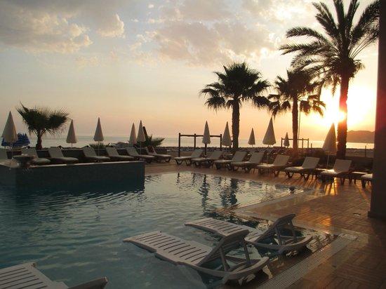Alaaddin Beach Hotel : Poolanlage