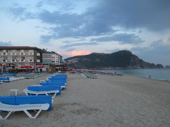 Alaaddin Beach Hotel : Strand