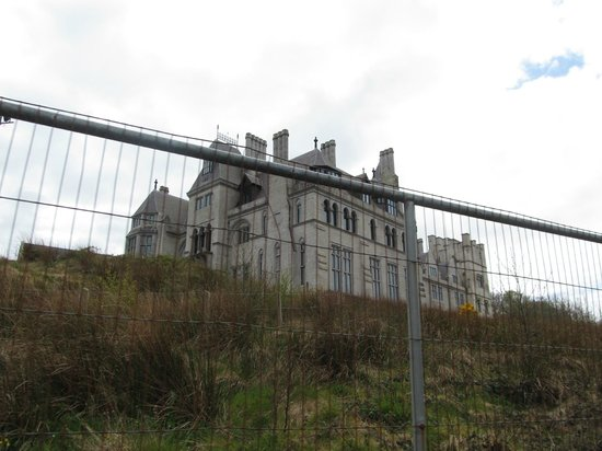 Dunboy Castle and Puxley Mansion : Depressing