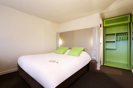 Campanile Montpellier Sud: Bedroom