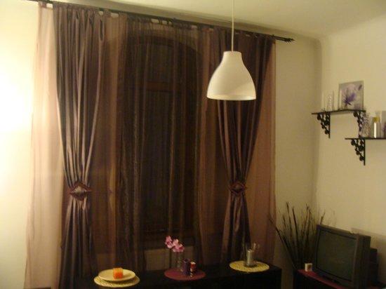 StayInBucharest Apartments: Plum studio