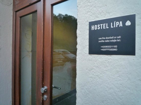 Hostel Lipa: Entrance door