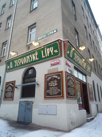 Hostel Lipa : Pub U Slovanske lipy - great beer selection and traditional cuisine for low prices