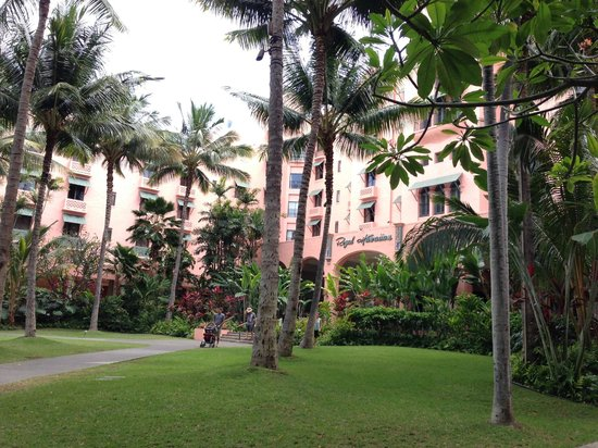 The Royal Hawaiian, a Luxury Collection Resort: 庭