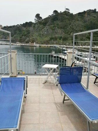 Albergo Ristorante Da Beppone: terrazzino con vista sul porto