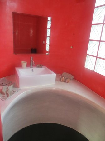 Le Divine Comedie: bathroom