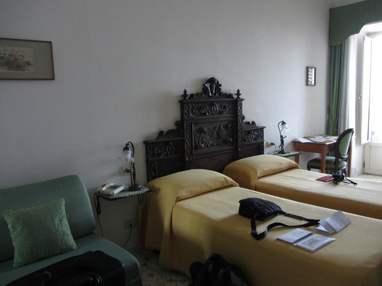 Lidomare Hotel: Beautiful rustic old-fashioned furnishings