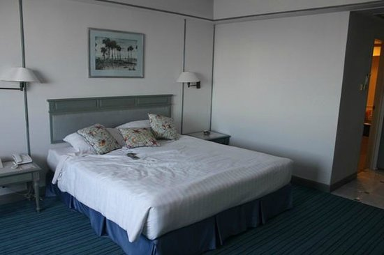 Huahin Grand Hotel & Plaza: Double bed