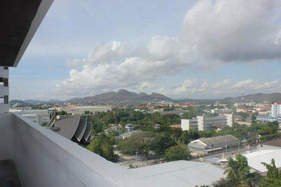 Huahin Grand Hotel & Plaza: View from balcony