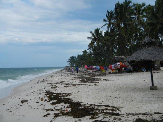 Southern Palms Beach Resort: plaża po przypływie