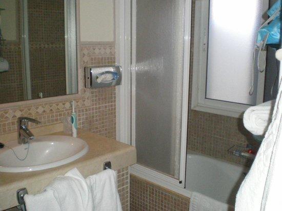 سي إل سي سانينج ديل فيليدج: baño