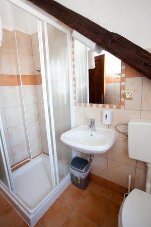 Alo Hotel : Bathroom