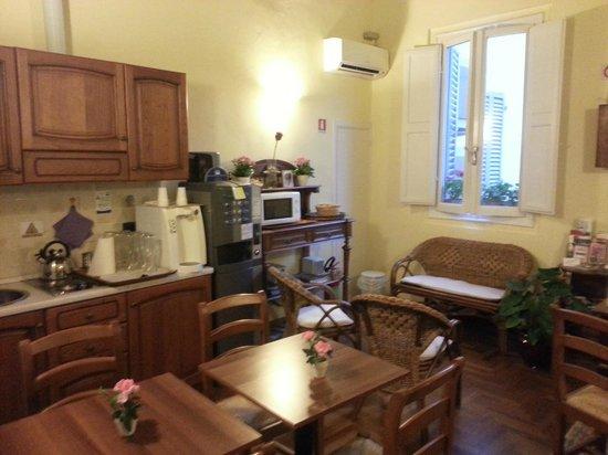 B&B Residenza della Signoria: kitchen