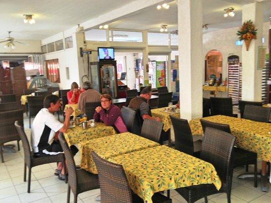 Motel Myriam : Breakfast room
