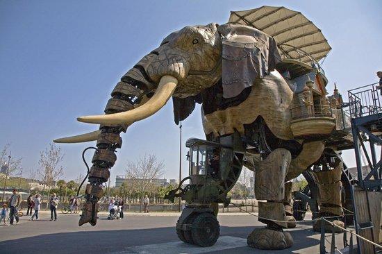 Nantes Camping : The Great Elephant at Les Machines de l'ile,