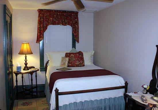 Spencer House Inn Bed and Breakfast: Room 301