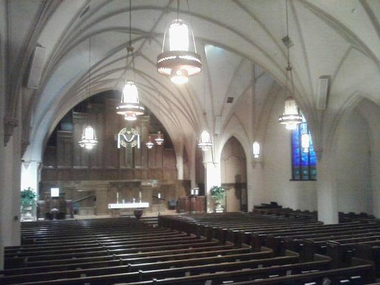 First Presbyterian Church of Flint: Interior (notice the vaulting at the ceiling)