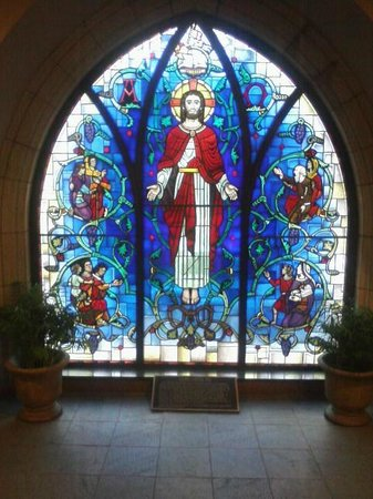 First Presbyterian Church of Flint: Jesus window near the doors