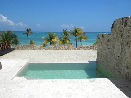 Main pool picture of sanctuary cap cana by alsol punta for Sanctuary cap cana honeymoon suite