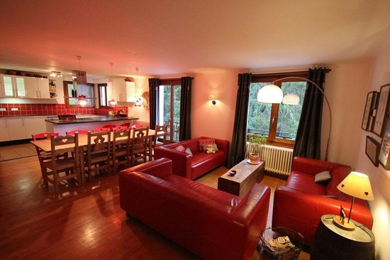 Chalet Deux Freres : the lounge