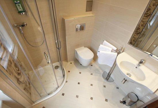 Anyday Apartments: Bathroom