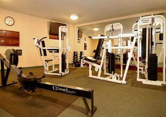 Comfort Inn & Suites Near Burke Mountain: Fitness Center