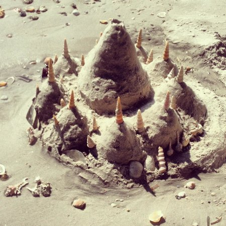 Noppharathara Beach : sand castle