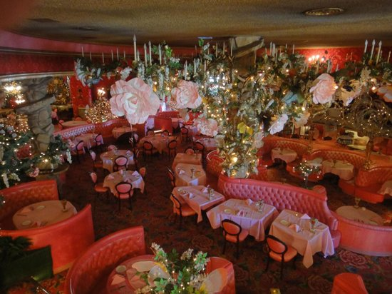 Madonna Inn: Yes-that's the restaraunt!!