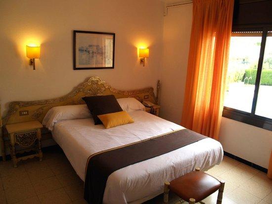 Hotel hostal del sol updated 2017 reviews price for Hostal cerca puerta del sol