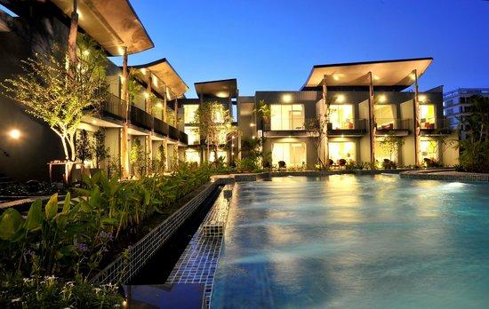 Paeva Luxury Services Residence : salt system swimming pool