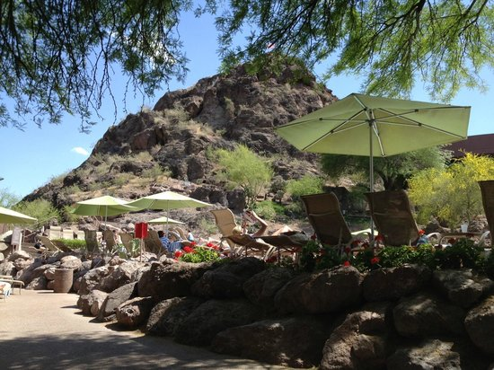 Marriott Phoenix Resort Tempe at The Buttes: View from the pool area