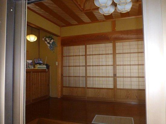 Guest House Warabi: 玄関内