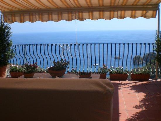 Inserisci didascalia picture of b b la terrazza sul mare taormina tripadvisor - La finestra sul mare taormina ...