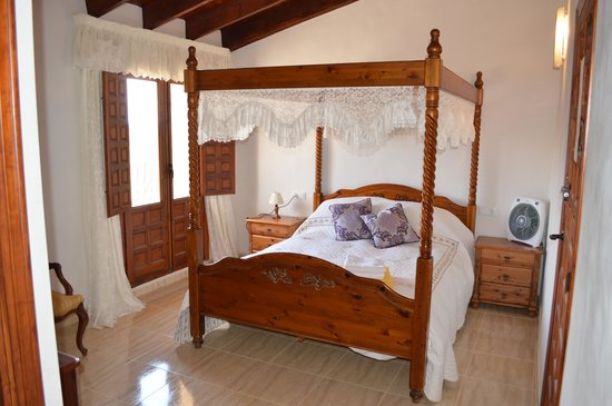 Grapevine Manor Exclusive Holiday Rental